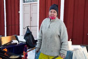 Det känns rätt men svårt, att åka till marknaden på Jamtli, ett år efter dödsloyckan tycker forbonden Anna-Lena Bäckman Roos.