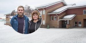 Kennet Bolinder och Annelie Carlsson är föräldrar till barn på Vågbroskolan och de är starkt kritiska till det förslag som finns om att flytta högstadiet till Norrtullskolan.
