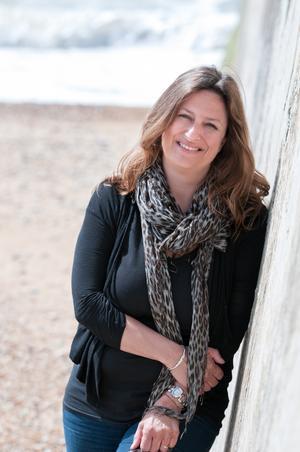 Elly Griffiths deckarserie om rättsarkeologen Ruth Galloway har fått många priser. Foto: Sara Reeve