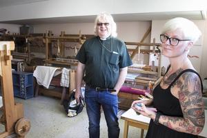 Christer Schwartz och Anna-Lena Larsson har flera saker på gång. Bland annat en lokal med kafé, barnpyssel och vävstolar dit alla ska vara välkomna för att umgås.