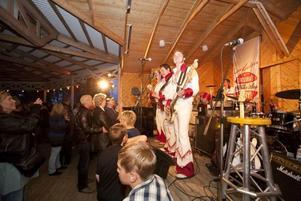 Larz–Kristerz spelade på den dansbandsvana Ön på tisdagskvällen.