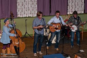 Downhill Bluegrass Band. En av höjdpunkterna på bluegrassfestivalen i morgon.