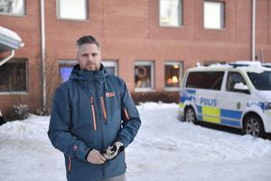 Linus Zetterman på Älvdalens hotell fyller hotell med bland andra poliser som genomför halkövningsutbildning på isbanor i Älvdalen.