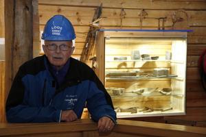 Han är ett stycke levande historia, kassören och veteranen Bosse Nilsson – den siste kvarvarande av den första styrelsen i föreningen Loosgrufvan.