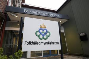 Entrén till Folkhälsomyndigheten i Solna, Stockholm. Foto: TT.