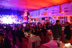 Mingel och glada miner när Sundsvalls restauranggala arrangerades på EQ House i Skönsberg.