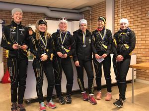 Duktiga skrinnare på USM. Från vänster: Elin Eriksson, Tova Åström, Vinnie Hjelm, Tina Svensson, Motala, Disa Arnell, Alva Winroth. Bild: Läsarbild