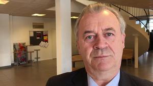 Landsbygdsminister Sven-Erik Bucht utlovade mångmiljonsatsningar på länets näringsliv vid torsdagens besök i Järpen.