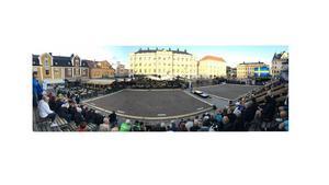 Såhär såg det ut på Stora torget i Linköping 30 minuter innan finalen. Ronny säger att det var svårt att inte bli nervös.