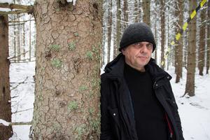 Peter Noresson tar kampen för skogen runt byn Källbacka utanför Storvik.