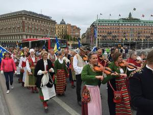 DT var med 2016 när vandrarna nådde Stockholm och Skeppsbron och spelmanslaget slöt upp.