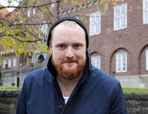 Niklas Daoson (S) vädjar till majoriteten att göra som Socialdemokraterna gjorde förra mandatperioden: att ändra uppfattning.