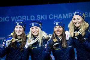 Ett ögonblick som jag men också det svenska folket finns mest från i vintras - damernas stafettguld under VM. Foto: Tore Meek/TT