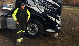 Ted Berglund satt i sin lastbil när han plötsligt blev omkörd – av sin egen bil.