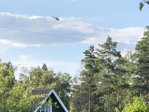 En polishelikopter över Röfors.
