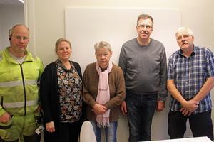 Roger Ilbäcks, Charlott Hill, Marie Samuelsson, Joakim Fjärgers och Christer Kärvemo har planerat inför julskyltningen.