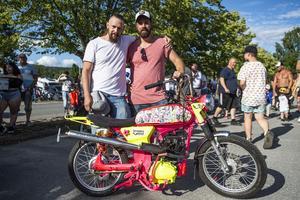 ohn Mattsson och Per Jonsson från Sollefteå med sin Yamaha FS1.