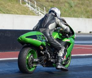 Tomas Jonsson, Korskrogen, är kvaletta i Super comp bike.