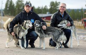 Niklas Andersson, VM-general, och Lennart Westman, presschef, besökte skidstadion i Sveg för att kolla in banorna inför stundande Draghunds VM