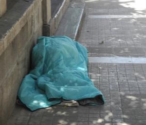 Grekland reser sig efter krisen, men än finns det många som har det svårt. Uteliggarna är många. Foto: Lennart Götesson.
