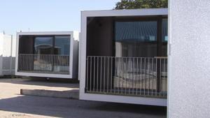 Företaget Prefament bygger färdiga lägenhetsmoduler, de här finns i Västberga Stockholm.