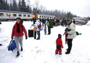 Att ta tåget till skidbacken har blivit väldigt populärt.