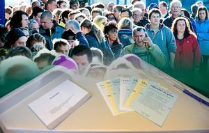Peter Tjernberg hoppas få höra fler röster ur folkdjupet inför valet, i stället för politikernas röstfiske. Bild: Mikael Hellsten / Jessica Gow/TT