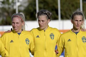 Sandra Adolfsson, Lina Hurtig och Sofia Jakobsson på Algarve Cup i mars.