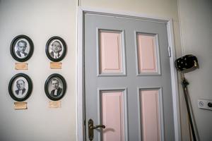 Bakom den här dörren sker stora ting.