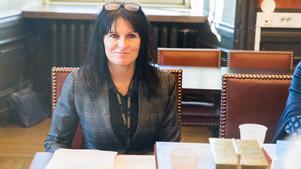 Arbogas socialchef Marjo Savelius lämnar sin tjänst. Både hon och nämndordföranden understryker att det inte finns några kontroverser utan att avgången helt beror på att Savelius erbjudits en annan tjänst.