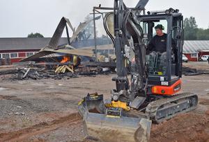 Mikael Hagström inledde omedelbart arbetet med att minimera de negativa konsekvenserna av branden.
