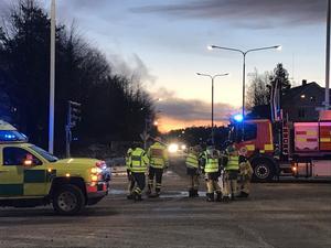 Räddningstjänsten var snabbt på plats vid olyckan i Sund.