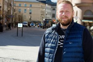 Toni Tuunainen växte upp i södra Stockholm och gled in i det kriminella livet när han gick på högstadiet.