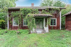 Gården med hus kommer förmodligen komma ut till försäljning igen. Foto: Mäklarcentrum