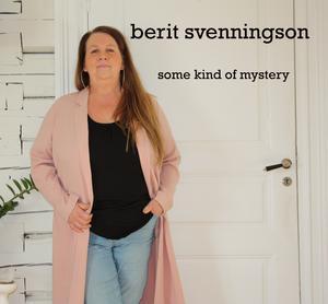 Kristina Larsson har fotat och designat skivans omslag.