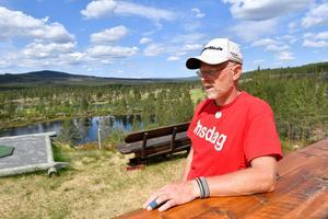 Trond Lia är greenkeeper på Idrefjällens golfbana som har skapat en ny attraktion vid tians green.