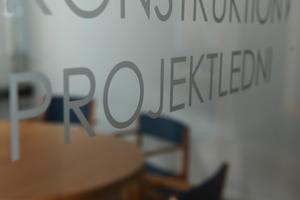 Förutom lokaler för undervisning samt arbetsrum för personalen har folkhögskolan nu också ett grupprum i Annexet.