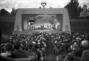 Himlaspelet lockade tusentals åskådare varje sommar. (Foto: Anders Jones / Leksands lokalhistoriska arkiv)