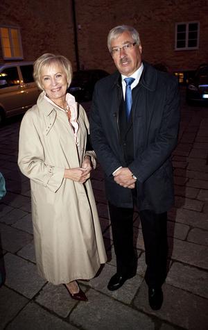 Kommunfullmäktiges ordförande Britt Sandström (S) med maken Sune Sandström.