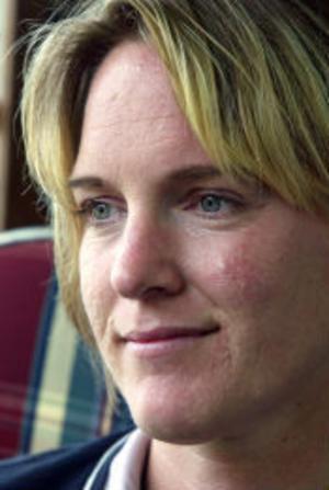 Birgitta Järnåker lär ut yoga och akademisk ridning.
