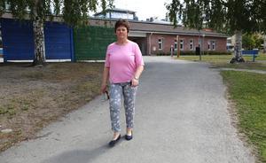 Rektor Cecilia Sjölander vill se förbättringar på Lillängets skolområde i Sollefteå.