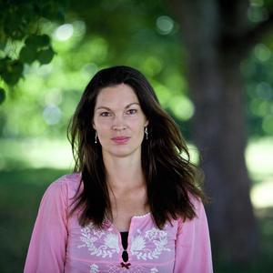 Elisabeth Malmqvist (C) och de andra politikerna i Örebros gymnasienämnd har begärt att få både en lägesrapport och en åtgärdsplan för drogproblemen i Örebroskolorna.