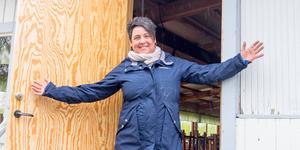Maria Thel hälsar välkommen och hoppas på bra uppslutning när Hede folkpark bjuder upp till premiärdans.