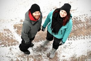 Thomas Frost och Tina Forsberg räknar med att de kommer att tillbringa fem dagar i kylan och de kommer att sova i tält längs vägen och värma upp maten med ett gasolkök.