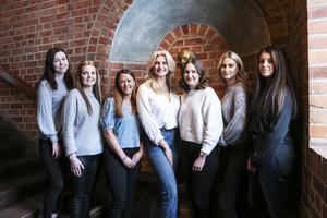 Totalt 15 tjejer hade valts ut till lördagens slutliga uttagningar till Jämtlands lucia. Sju stycken blev kvar, och kommer nu att få spendera de närmsta veckorna med varandra.