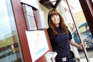 Birgitta Persson, ansvarig för Grannsamverkan hos polisen i Östersund, får ta emot fler och fler intresseanmälningar om Grannsamverkan allt eftersom stölderna och inbrotten av utländska ligor ökar.