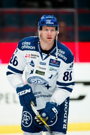 Daniel Pietta är tveksam till spel i den tredje finalmatchen mellan Timrå och Leksand. Foto: Simon Hastegård/Bildbyrån
