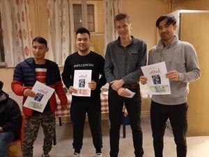 Tre pristagare i Hitta ut tillsammans med Gunnar Forsgren.  Från vänster: Esmatullah Noori, Ebrahim Hosseini och Habibullah Akbari
