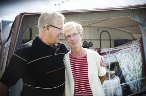 Raimond och Ingegärd Hägglund har en stark relationen till Orbadens camping och vill inte se den göras om för andra ändamål. Foto: Katarina Hansson