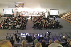 Halva idrottshallen användes till BEL-galan som även visades på storbildsskärmar så alla skulle se bra.